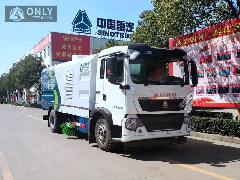 重汽T5G扫路车(10.5立方/国六)